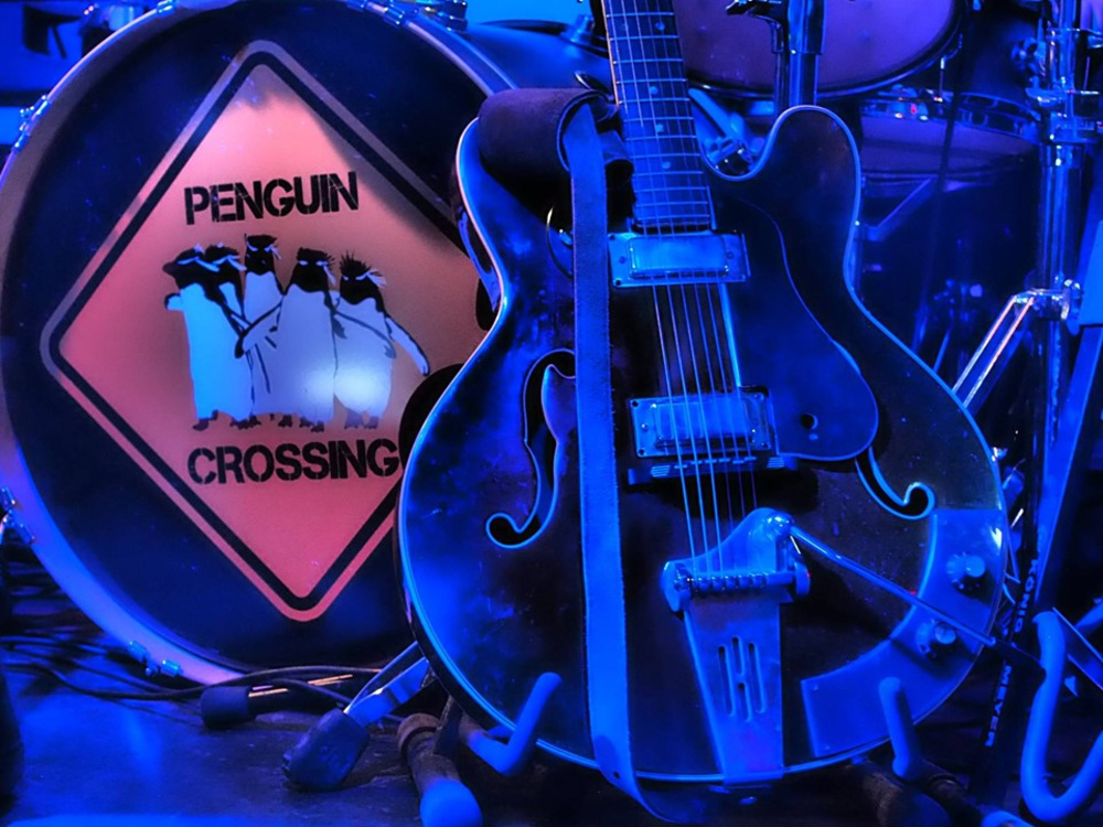 Penguin Crossing - We are endless together am 10.10.2019 @ Arena Wien